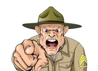 Ein brüllender drill instructor