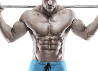 Sportler mit extremer Muskelmasse