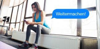 Eine durchtrainierte Frau macht Pause vom Training